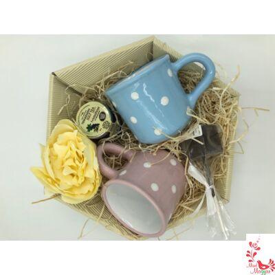 Forró csokit vagy sült teát kérsz?
